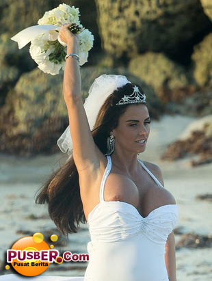 Gaun pengantin Katie Price - pusber.com