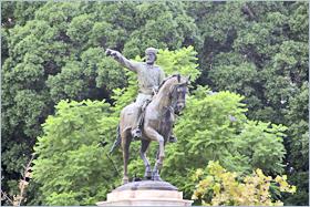 Sizilien - Standbild von Giuseppe Garibaldi im Englischen Garten von Palermo.