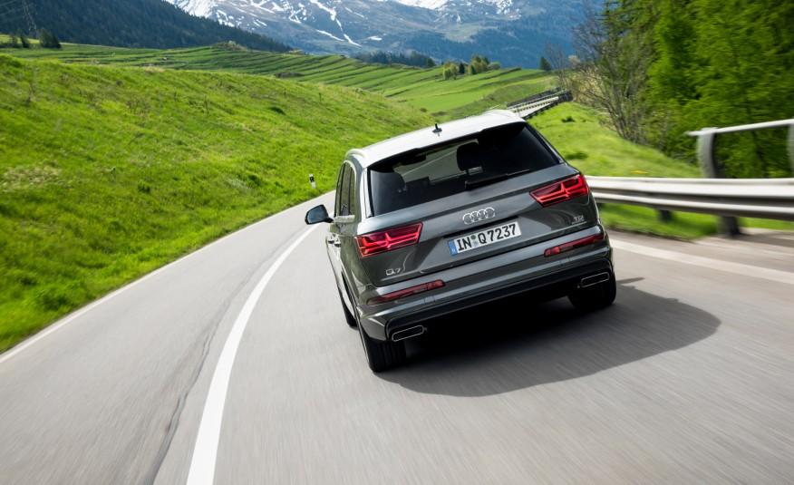 Xe được trang bị nhiều tính năng an toàn, thông minh nhất trong lớp SUV