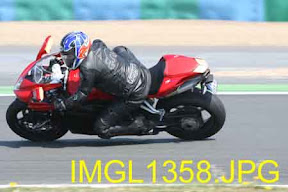 Aprilia track days : Magny-Cours le 22 avril 2011 - Page 5 IMGL1358