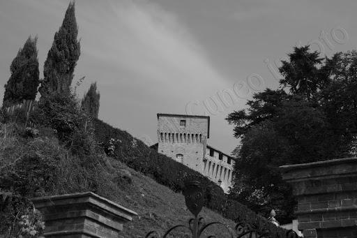 fotografia castello Monticello Alba