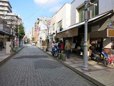 遊行通りにあるカレーショップシュクリア