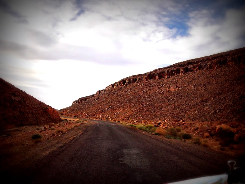 Marrocos e Mauritãnia a Queimar Pneu e Gasolina - Página 12 DSCF1418