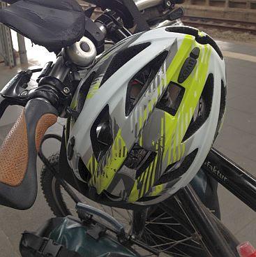 Miris neuer Helm: uvex xenova cc Größe 52-57
