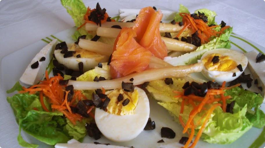 Ensalada fresca con salmón