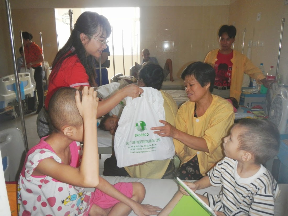 Nhiều tổ chức, cá nhân chia sẻ trung thu với các em