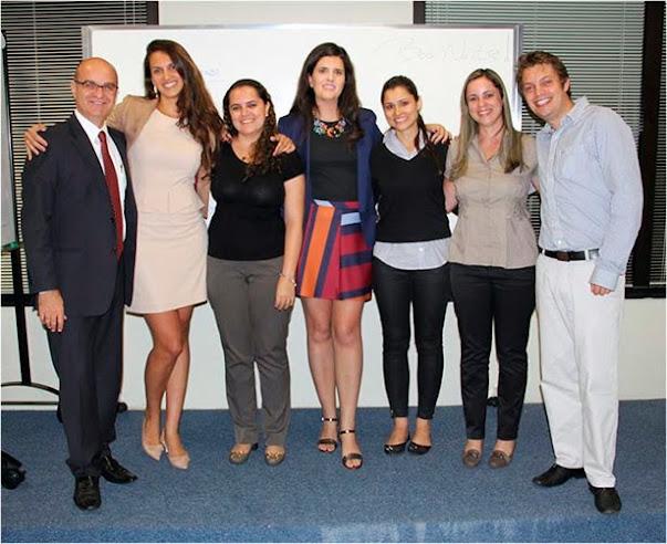 Professor Flávio, Aline, Luciana, eu, Giovanna, Juliana e Ariel