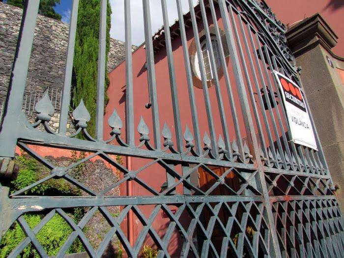Casa Museu Frederico de Freitas main door