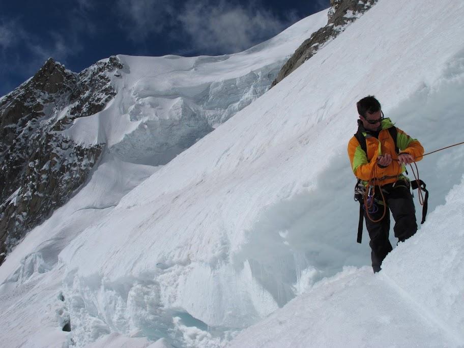 Un tranquillo weekend di paura - parete Sud del Monte Bianco 472190_375213699202012_100001401550381_78565447_834628420_o