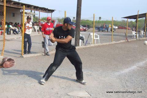 Antonio García de Ponchados en el softbol del Club Sertoma