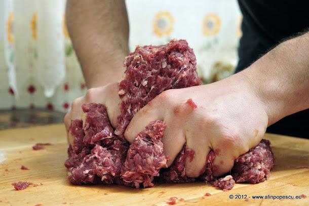 Razvan Anton - carne pentru hamburgeri