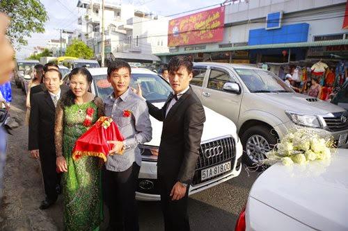 Đám cưới Thủy Tiên – Công Vinh khiến giao thông ùn tắc