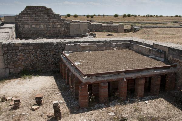 Colonia Clunia Sulpicia - Pequeñas Termas del Foro