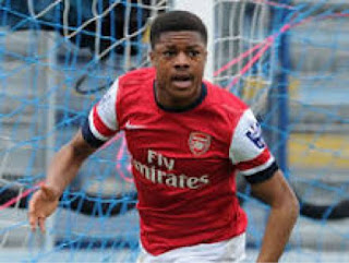 Pinnick Meets Akpom, Iwobi's Parents In London
