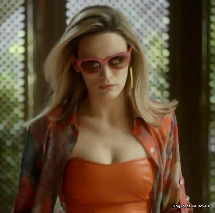 moda da novela Boogie Oogie - óculos da Vitória dia 4 de agosto