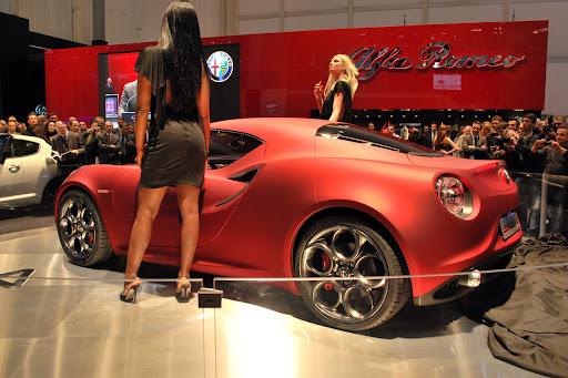Alfa_Romeo-4C_Concept_2011_04_1280x853