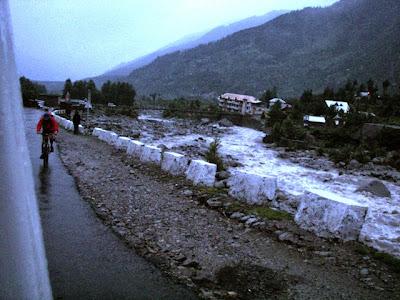 Manali-Leh-Lone-Cyclist-2007