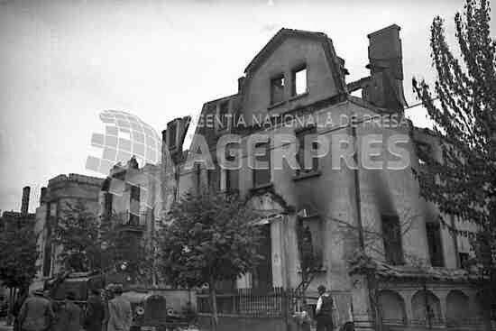 Clădire avariată din zona Gradina Icoanei