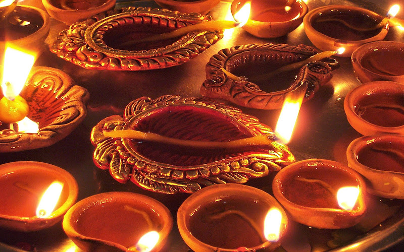 Top 3 Awesome Happy #Deepavali 2014 SMS, Quotes, Messages For Facebook And WhatsApp