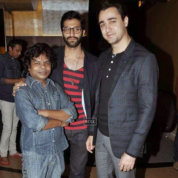 Akshay Oberoi poses with Omkar Das Manikpuri and Imran Khan during the premiere of Bollywood movie Pizza, held at PVR in Mumbai, on July 17, 2014.(Pic: Viral Bhayani)
