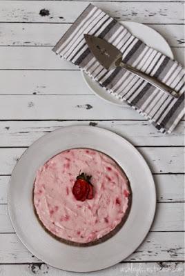 No-Bake Strawberry Cheesecake with Pretzel Crust    ashleylovestocook.com