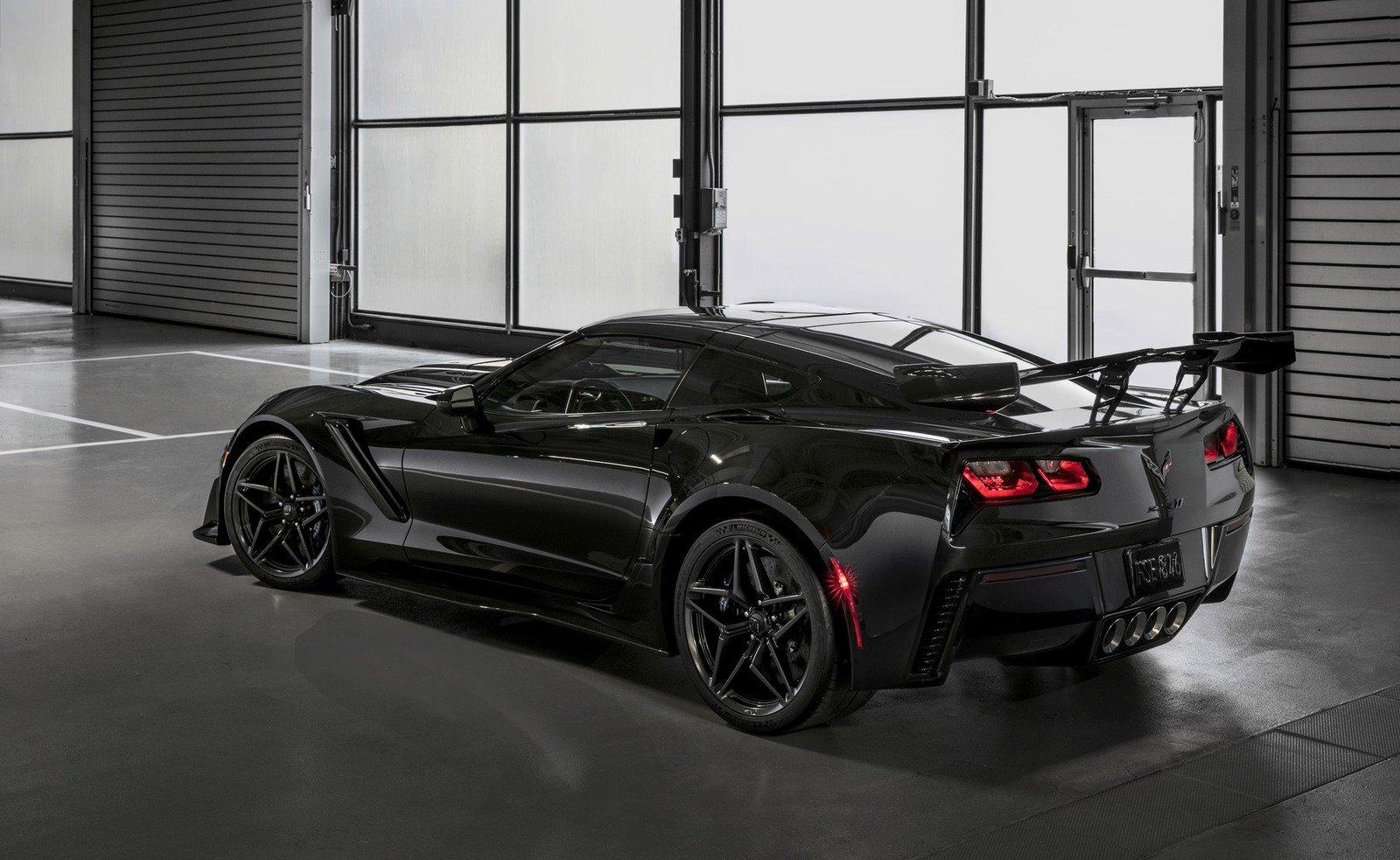 Chevrolet Corvette ZR1 đầu tiên sẽ được bán đấu giá cho quỹ từ thiện vào tháng Giêng