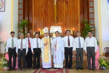 Giáo xứ Cồn Thoi và Hợp Thành hân hoan đón cha xứ mới