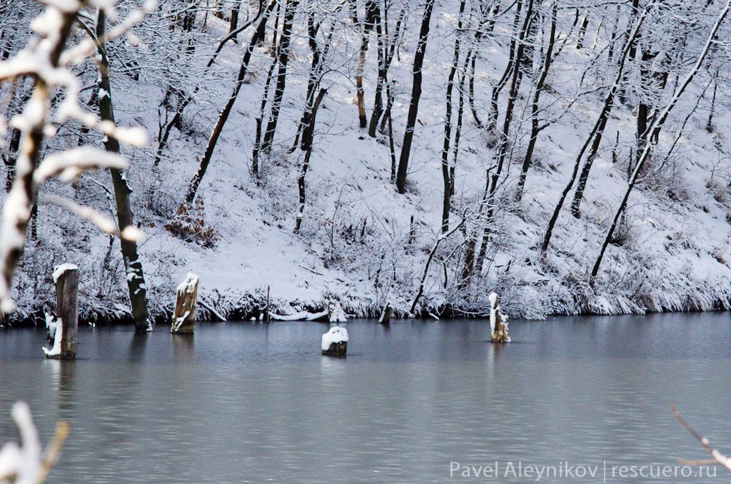 Плотина зимой