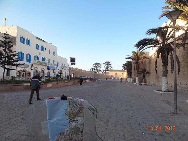 Marrocos e Mauritãnia a Queimar Pneu e Gasolina - Página 3 DSC05581