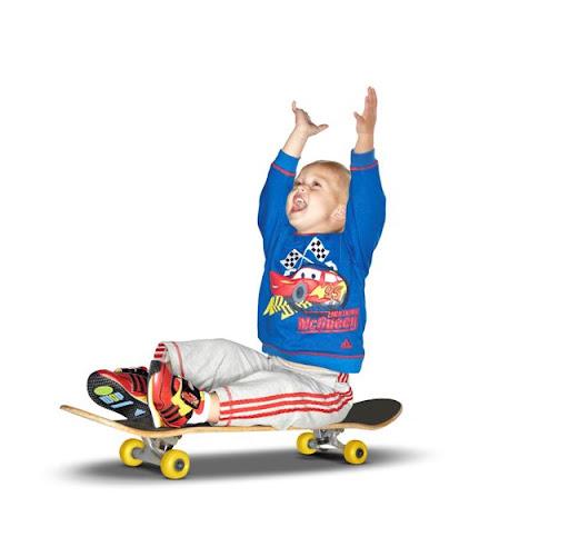 Детская одежда adidas для фильма Тачки-2