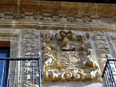 Escudo del Palacio de los Garaizábal, Labastida