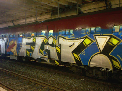 e2e train graffiti
