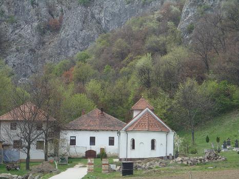 Манастир Вратна