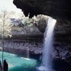 半洞窟の天然プール・ハミルトンプール