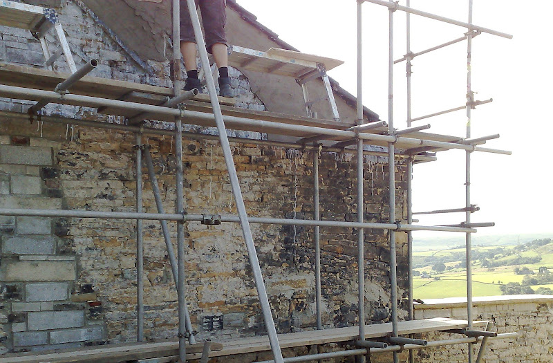 JD Plasterers - Traditional Render, Gable End with Tyrolean