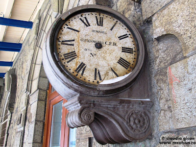 ceasul vechi din gara Azuga