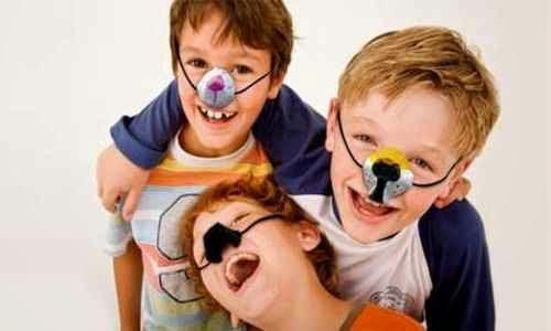 Uso de caretas economicas para una fiesta de niños