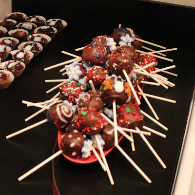 Easy Christmas Cake Pops