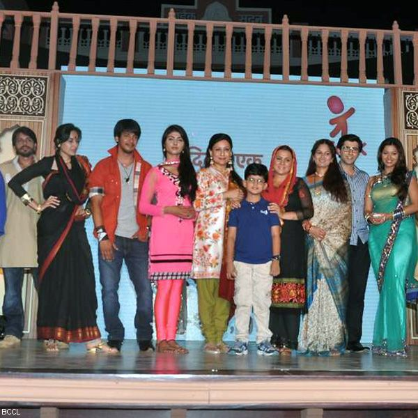 Launch of television show Do Dil Ek Jaan, held at Filmcity, in Mumbai. (Pic: Viral Bhayani)