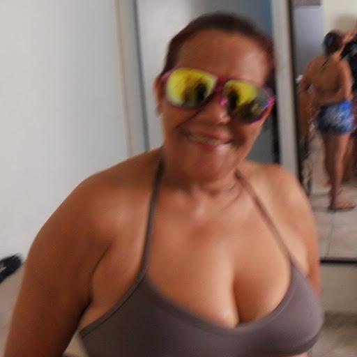 Gloria Batista Photo 13