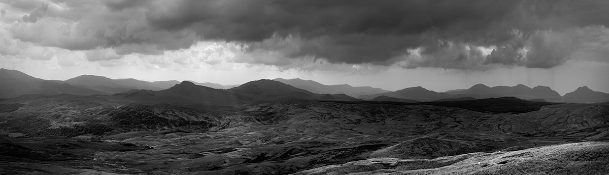 1108%25201020517%2520wales%2520full%2520pan%2520from%2520arenig%2520BW%2520PAN.jpg