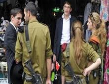 إسرائيليات يتحرشن جنسياً بالعمال الفلسطينين