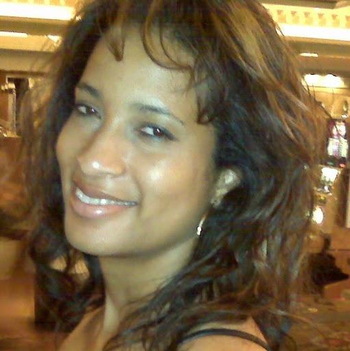 Sara Mckenzie Photo 19