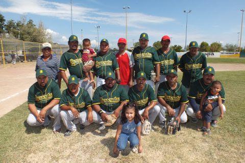 Equipo Burócratas B del torneo de softbol de segunda fuerza