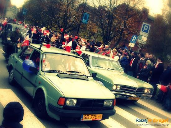 zabytkowe auta na paradzie niepodległości