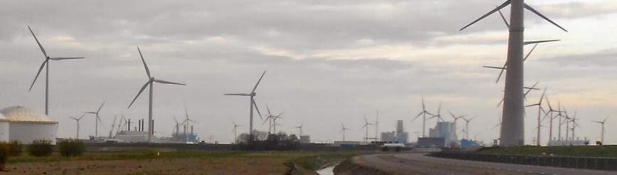 Hafen Eemshaven mit Windrädern, Eemsmond, Niederlande