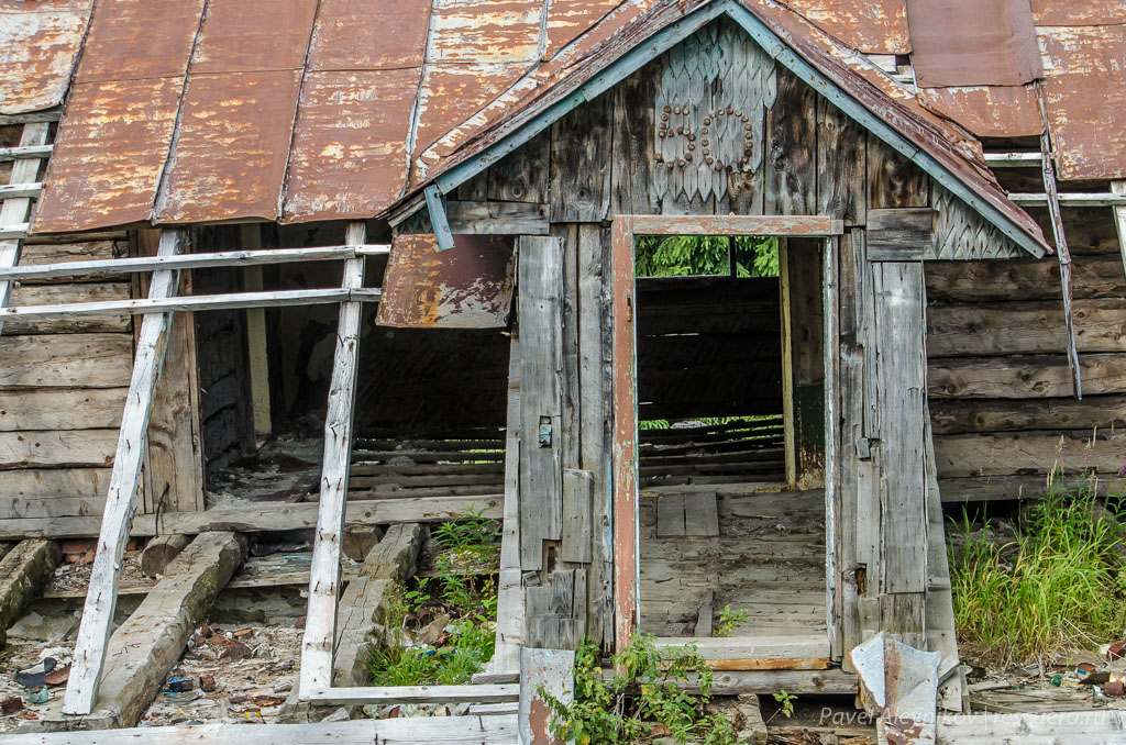Старая сыроварня на полонине Менчул