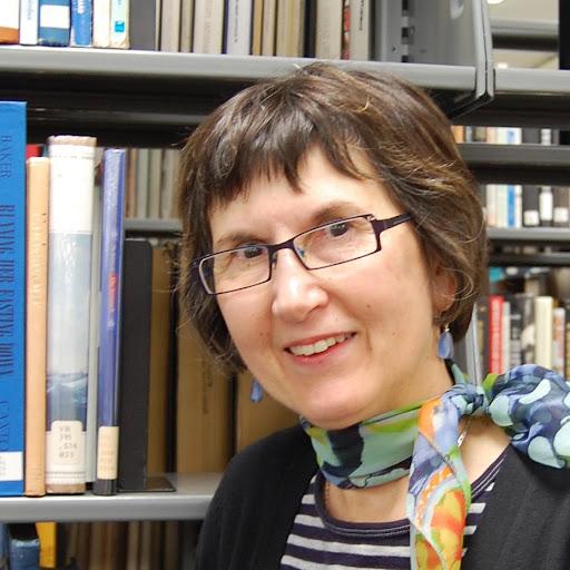 Barbara Armstrong Photo 28