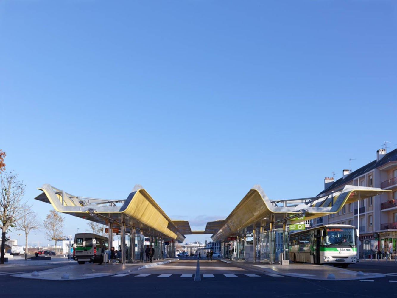 Saint Nazaire railway station by Tetrarc architects