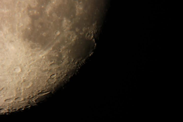 今晚的月亮……话说越来越没新意了!